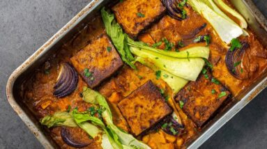 EASY TOFU CURRY TRAY BAKE | CHEAP EASY VEGAN